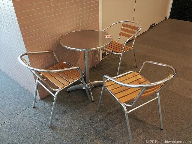 六本木ヒルズハリウッドビューティープラザ3Fのテーブル席