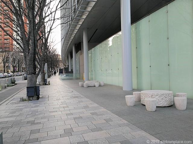 六本木けやき坂通りの休憩スペース