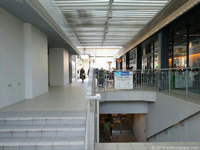 六本木ヒルズノースタワー1F地下入口