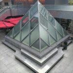 【六本木駅】ピラミデビル 1F 中庭の休憩場所