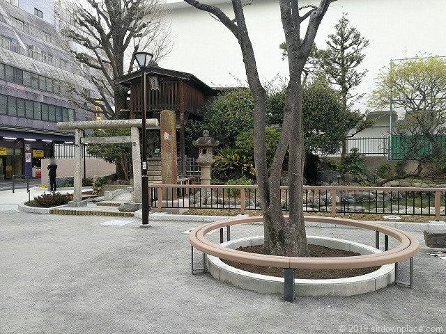 御徒町公園のベンチ