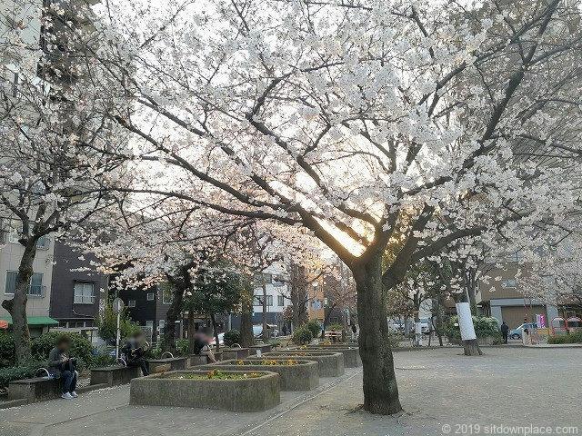 竹町公園の休憩所