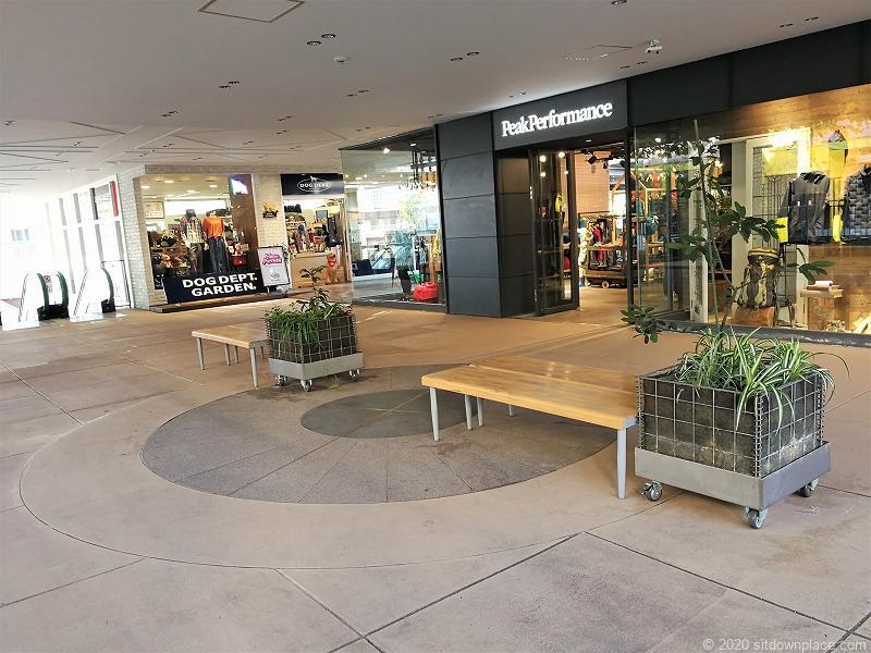 二子玉川駅 ガーデンアイランド1Fの休憩場所