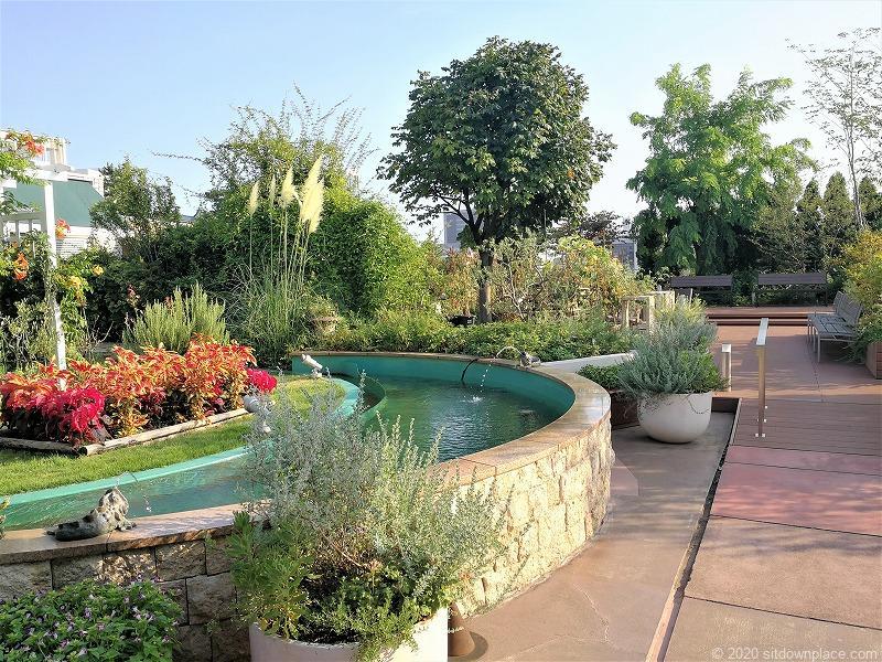 二子玉川駅 ガーデンアイランド屋上庭園の噴水