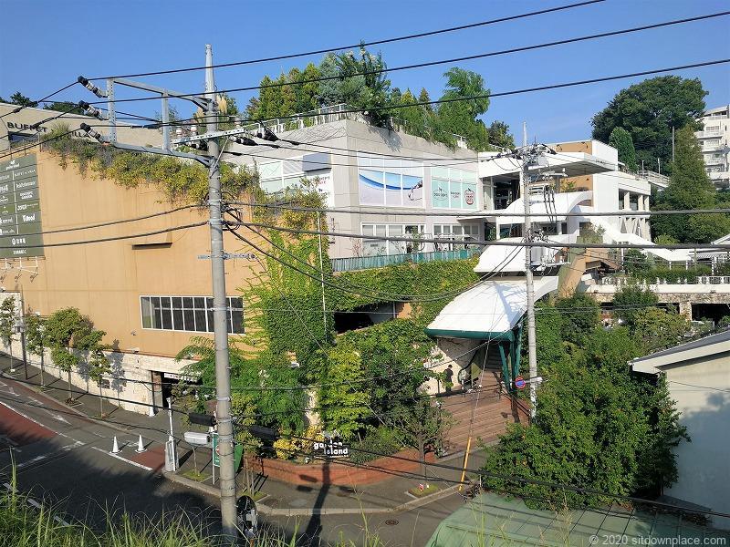 二子玉川駅 ガーデンアイランド屋上庭園の外観