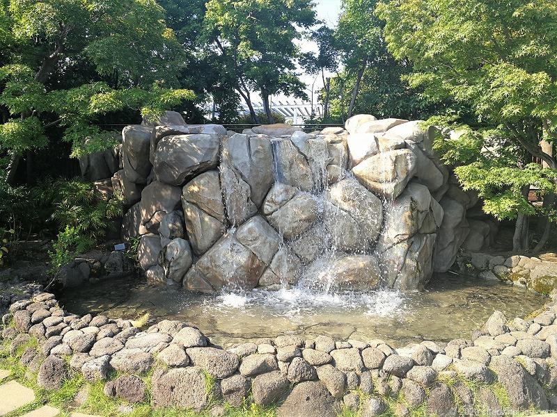 二子玉川駅高島屋本館屋フォレストガーデンの噴水