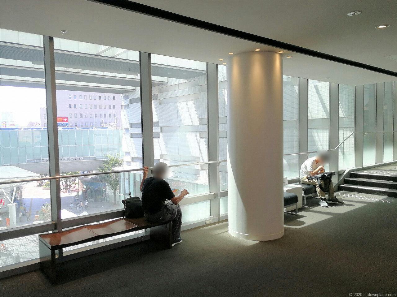 浜松駅イ・コ・イスクエア 3F~6Fの休憩場所2