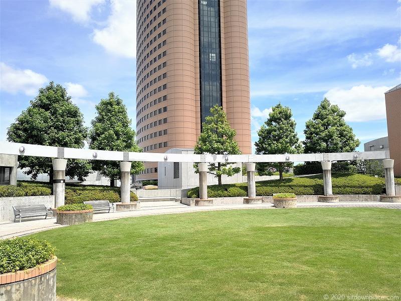 浜松駅アクトの森 音楽広場の休憩場所