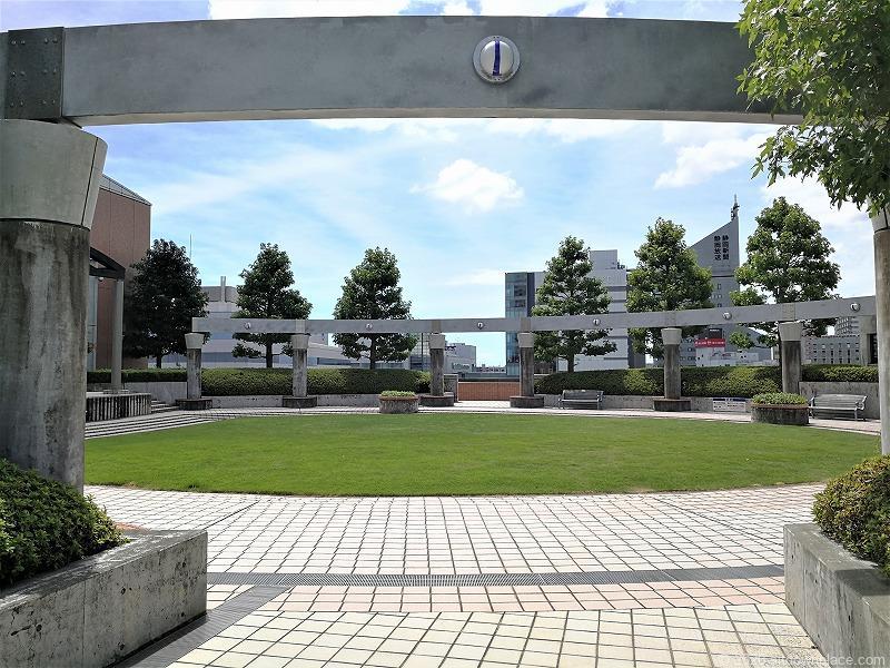 浜松駅アクトの森 音楽広場の広場1
