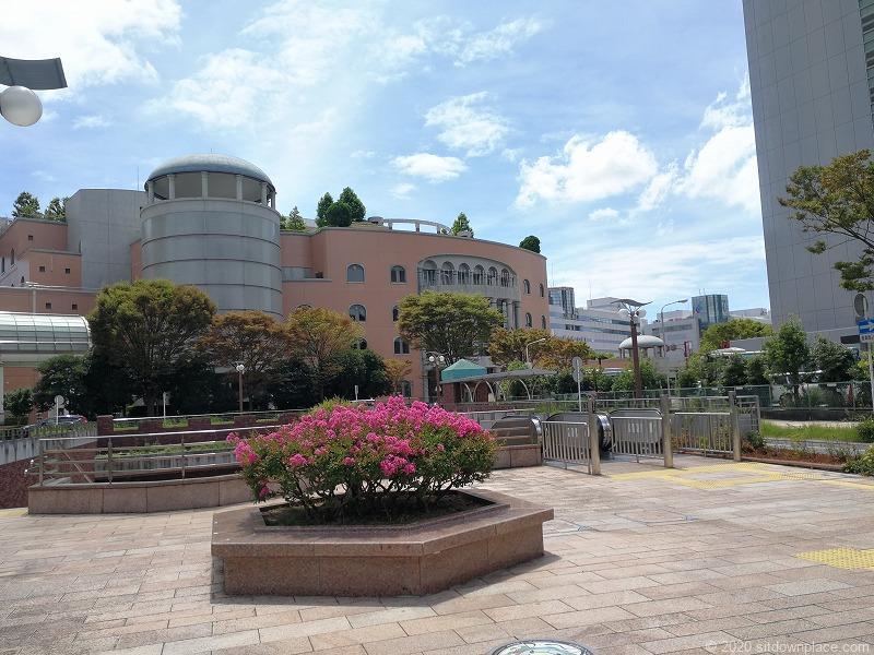 浜松駅アクト通りの広場