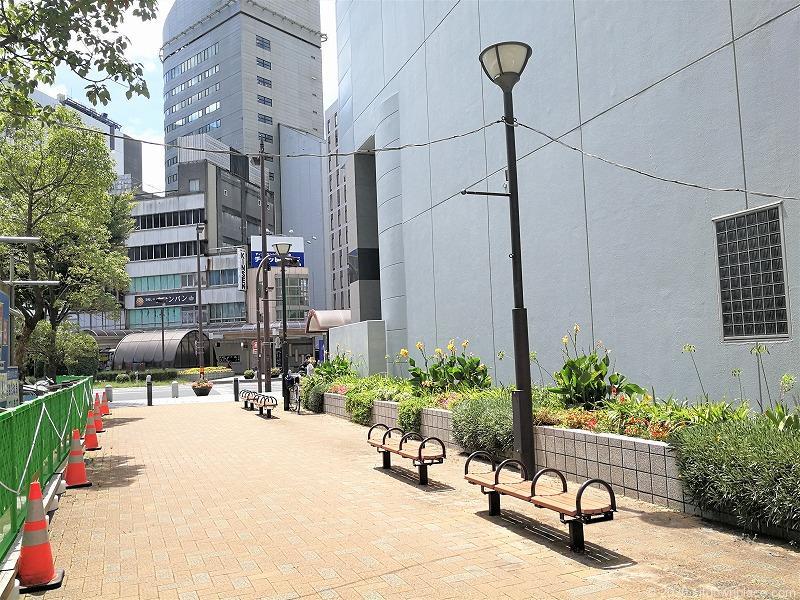 浜松駅旭町ポケットパークの外観