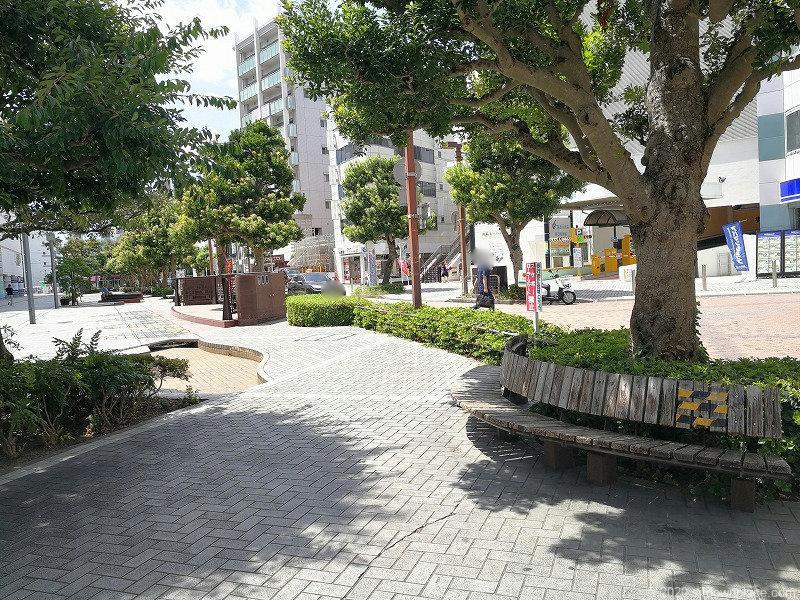 浜松駅エクセル浜松前通りの休憩場所