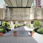 【浜松駅】遠鉄高架下遊歩道の休憩場所