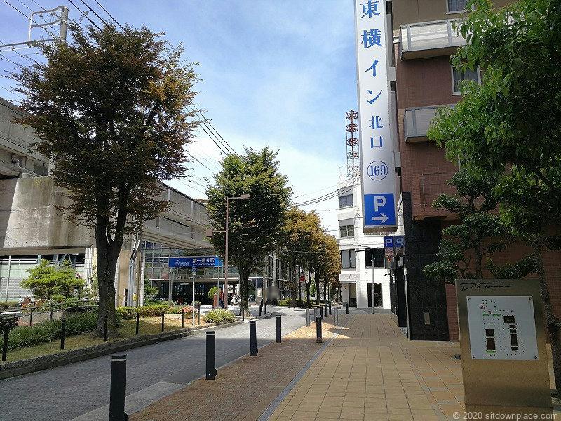 浜松駅東横イン横 D's Tower公開空地の東横イン入り口