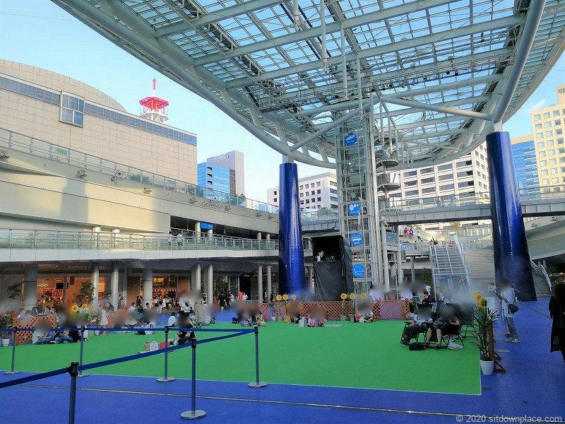 栄駅オアシス21銀河の広場の大きい広場