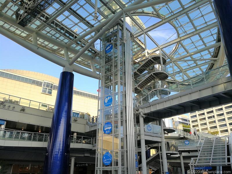 栄駅オアシス21水の宇宙船のエレベーター