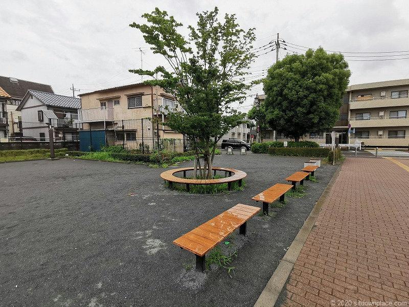 多磨霊園駅清水が丘東公園のベンチその2