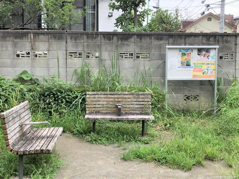 一之江ポケット広場のベンチ