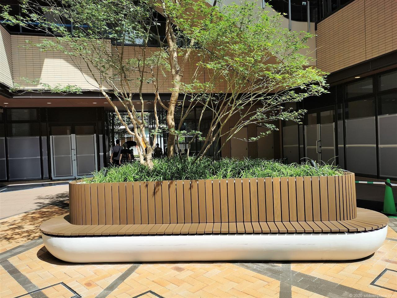 武蔵小杉駅 コスギサードアベニュー センタースクエアの休憩場所
