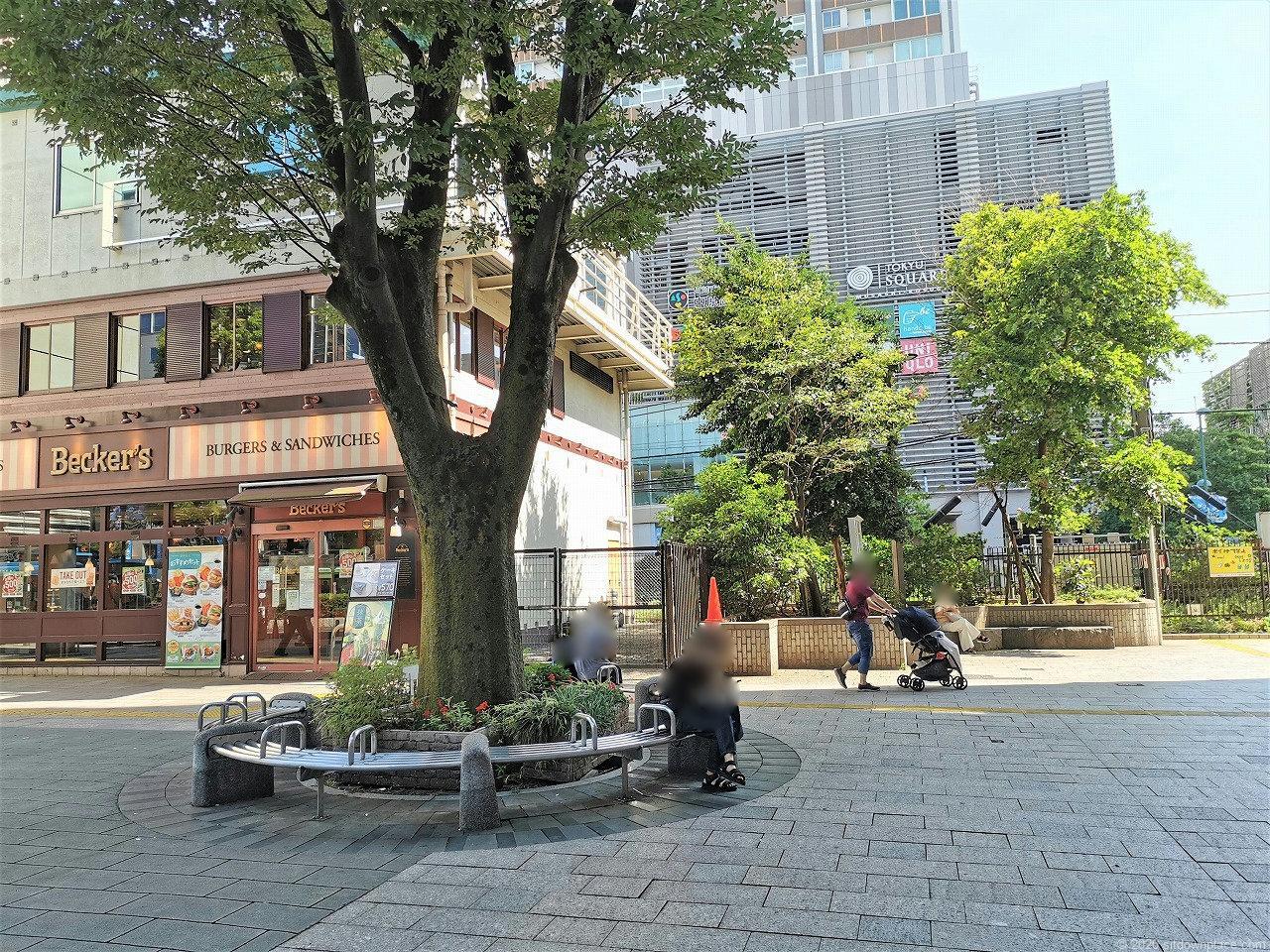 武蔵小杉駅 北口ロータリー前の外観