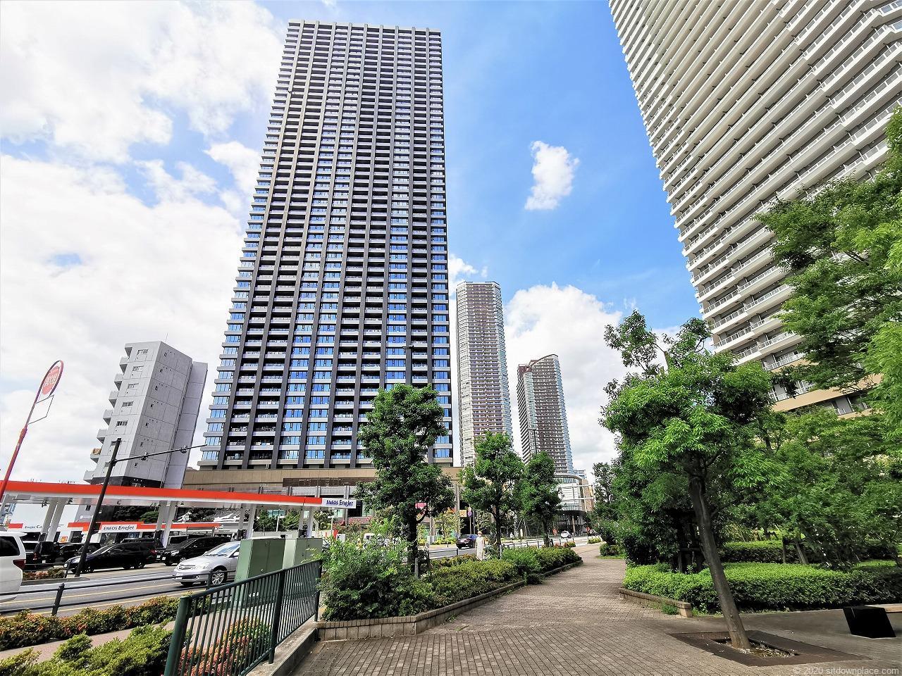 武蔵小杉駅 R-Styles公開空地の外観