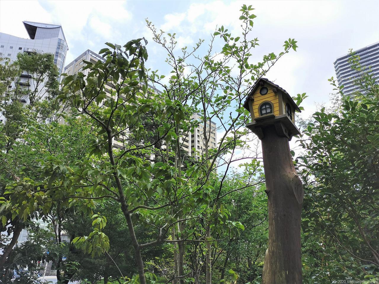 武蔵小杉駅 ふれあいの丘の鳥小屋