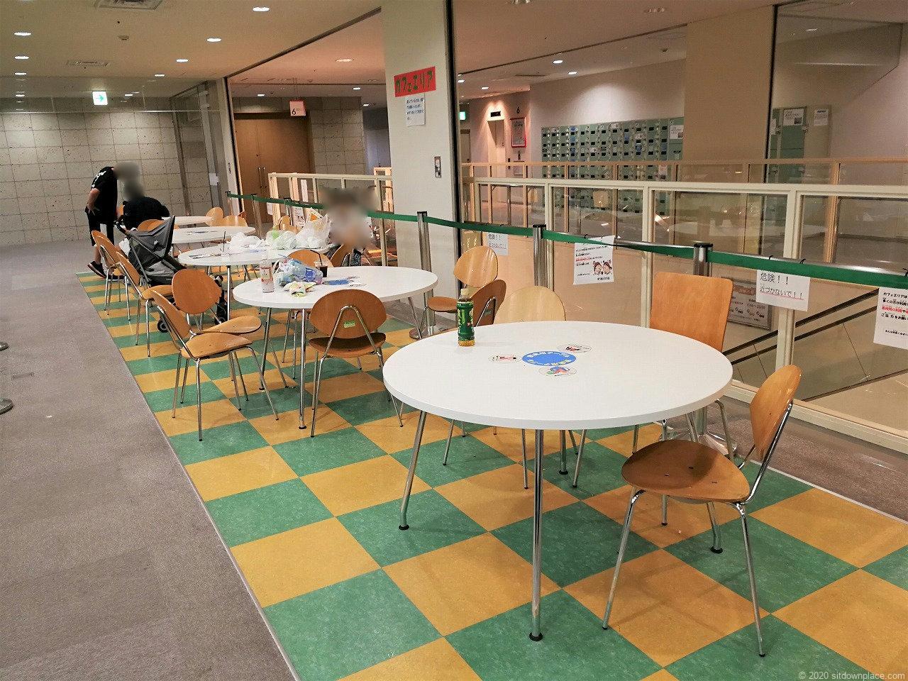 東武宇都宮駅 表参道スクエア6Fカフェエリアの休憩場所