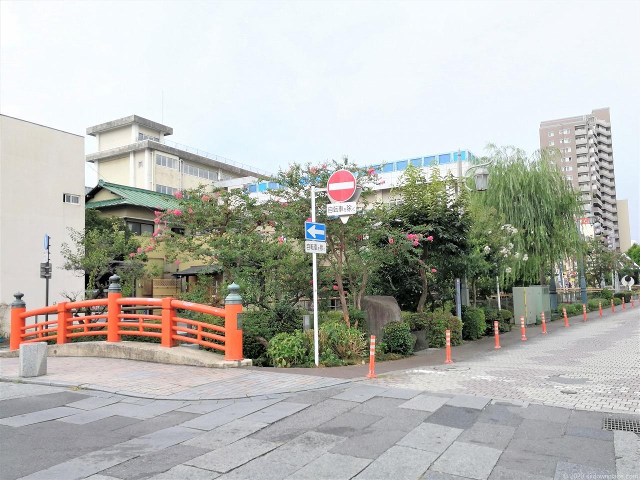 東武宇都宮駅 釜川プロムナード ロマンチックドームの外観