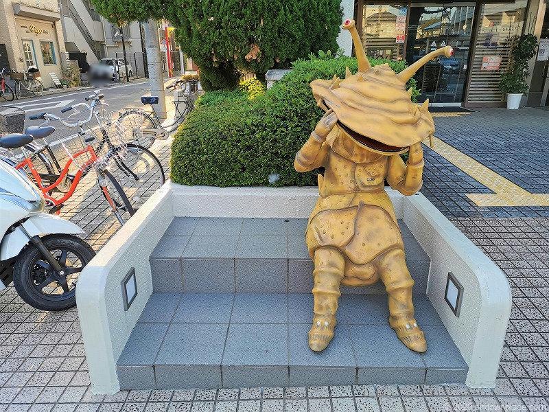祖師ヶ谷大蔵駅カネゴン像周辺のカビゴン像