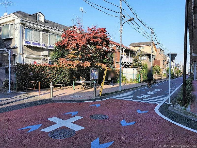 祖師ヶ谷大蔵駅クローゼット成城付近の休憩場所外観