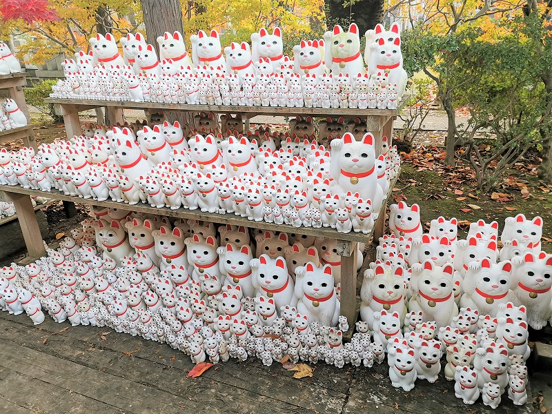 豪徳寺駅 豪徳寺商店街の招き猫