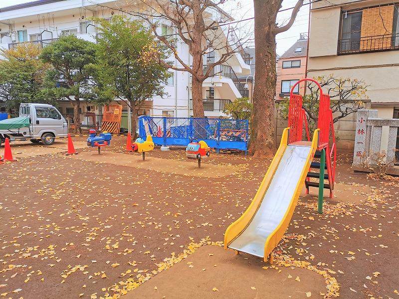 千歳船橋駅 稲荷森稲荷神社の遊具