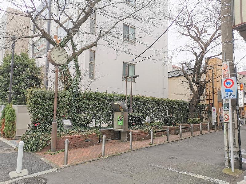 千歳船橋駅 南口商店街入口の休憩場所