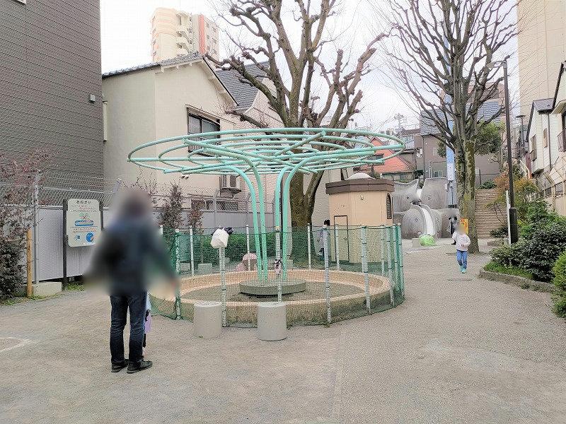神楽坂駅 あかぎ児童遊園の砂場