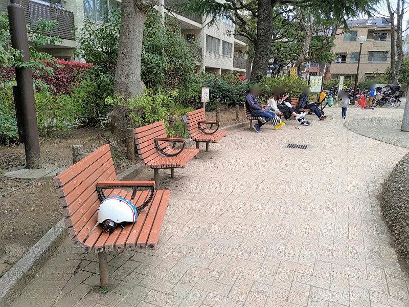 神楽坂駅 白銀公園の休憩場所2