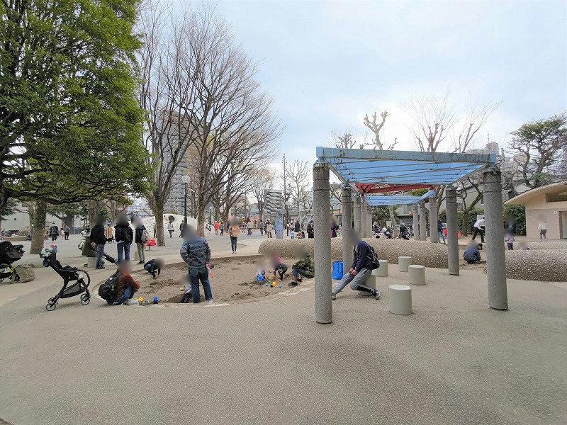 神楽坂駅 白銀公園のあそび場2
