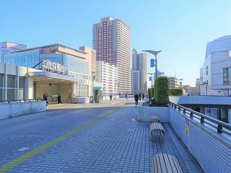 川口駅 西口駅前 ペデストリアンデッキの外観
