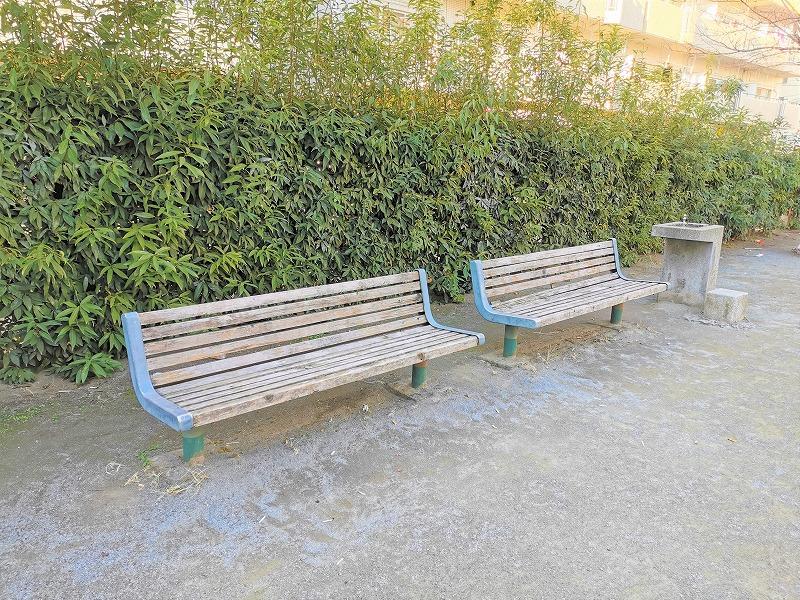 南浦和駅 弁天公園の休憩場所