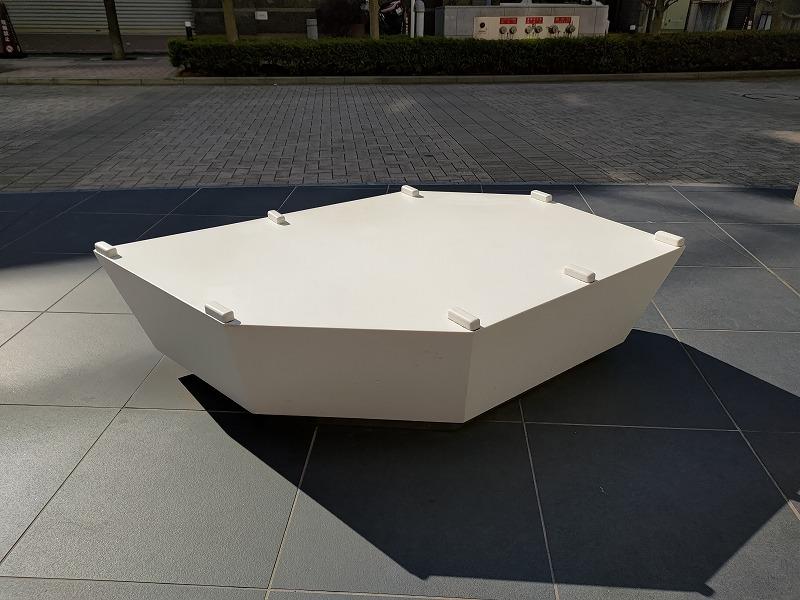 恵比寿駅 恵比寿ビジネスタワー前の休憩場所のベンチ