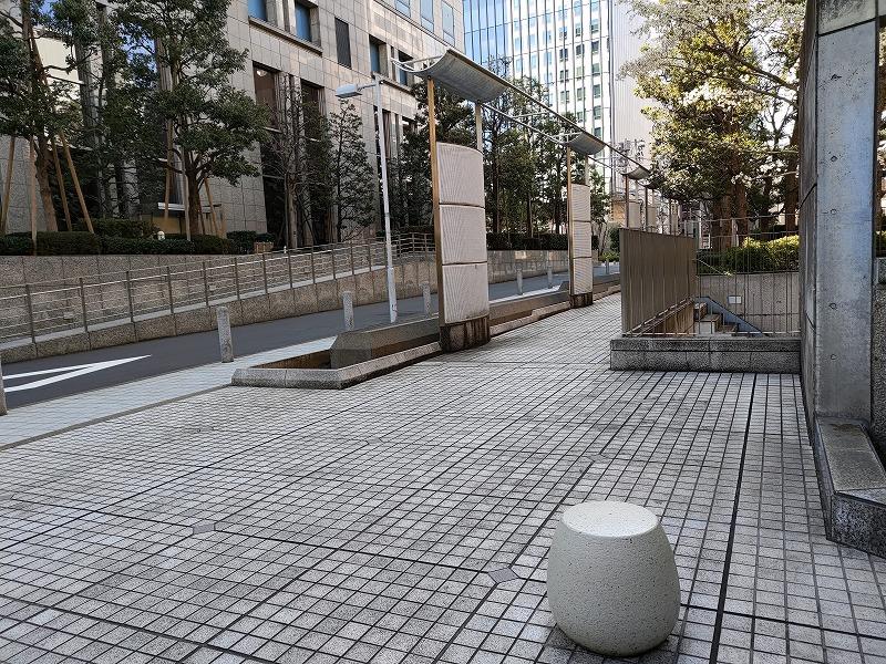 恵比寿駅 渋谷川 あいおいニッセイビル前の休憩場所