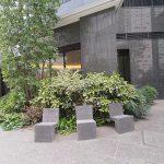 【東新宿駅】新宿六丁目交番付近の休憩場所