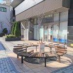 【鶴見駅】鶴見銀座商店街 薬局付近の休憩場所