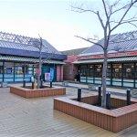 【新子安駅】オルトモールコート2F レストラン付近の休憩場所