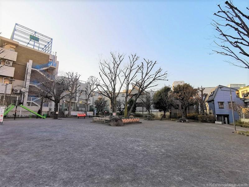 新馬場駅聖蹟公園の休憩場所その3
