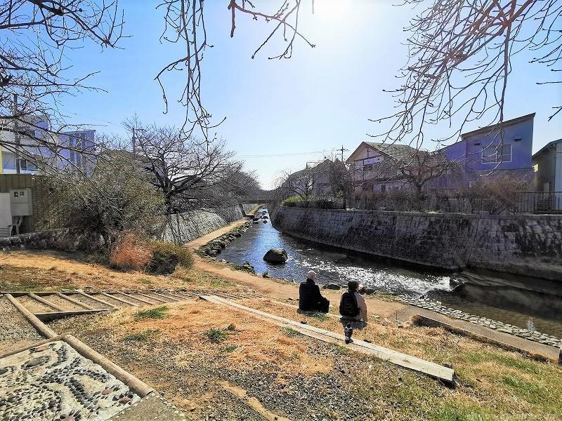 中野島駅二ヶ領用水 一本圦橋付近の休憩場所その1
