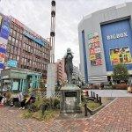 【高田馬場駅】駅前ロータリー 女神像付近の休憩場所