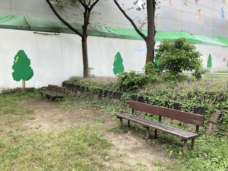 【中津駅】中津東公園の休憩場所2