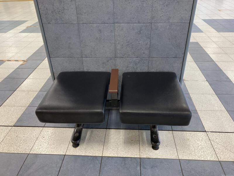 【加古川駅】改札外コンコースの休憩場所1