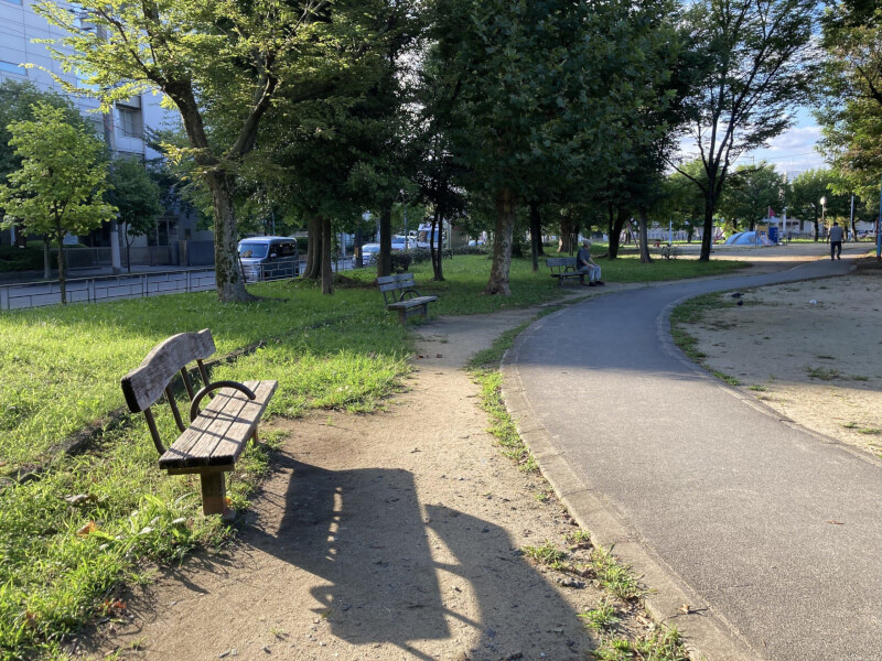 【三国駅】三国本町公園の休憩場所1