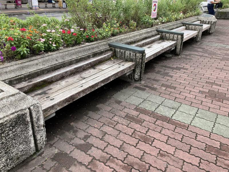 【徳島駅】バスのりば近くの休憩場所3
